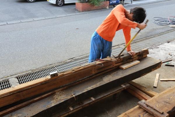 古木洗浄作業